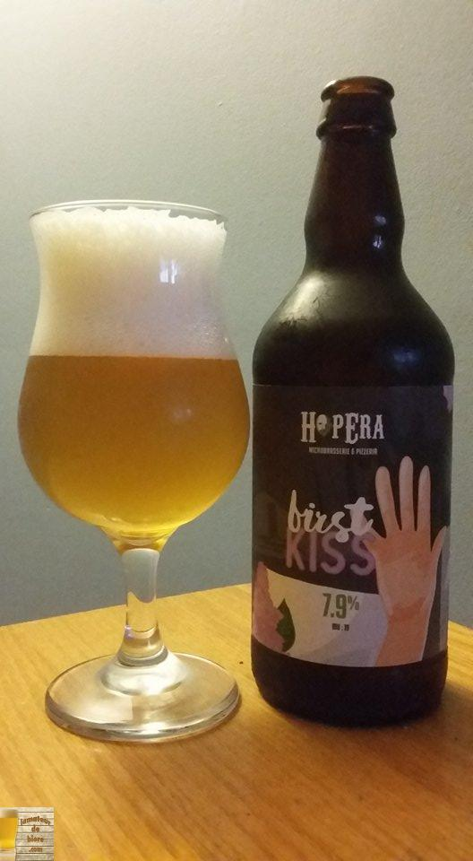 First Kiss d'HopEra